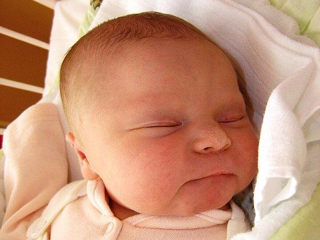 Mamince Michaele Dekerové z Roudnice nad Labem se 8. října v 0:15 hodin narodila dcera Amálie Malečková. Měřila 52 cm a vážila 3,80 kg.