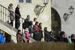 Díky desítkám nadšenců proběhl o velikonoční sobotě na hradě Lipý už 12. ročník českolipských pašijí. Tentokrát sice za chladného, ale sluncem doprovázeného počasí a s azurovou oblohou.