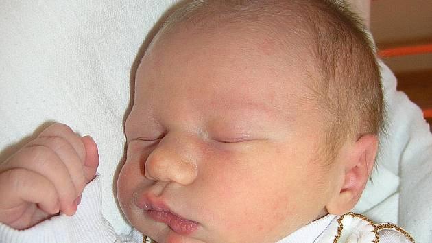 Mamince Haně Beckové ze Stráže pod Ralskem se 1. listopadu v 1:44 hodin narodil syn Jan Voříšek. Měřil 51 cm a vážil 3,34 kg.