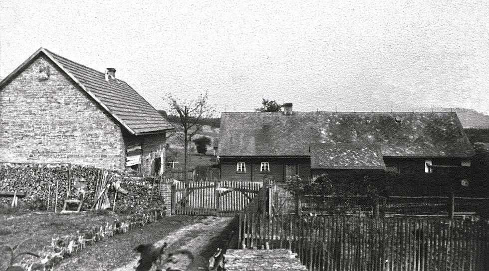 Zaniklá obec Židlov okolo roku 1930.