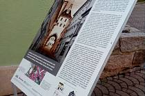Výstava Zrcadla do historie bude v českolipských ulicích do konce října.