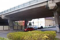 Poslední dny starého mostu z roku 1972.
