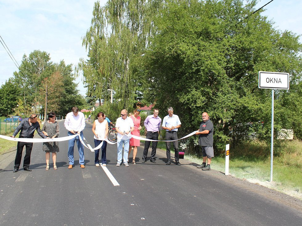 Po moderní, bezpečné a širší silnici se nově jezdí u Oken na Českolipsku. Skončila kompletní rekonstrukce úseku krajské silnice II/273 která vede z obce Okna dál do Středočeského kraje.