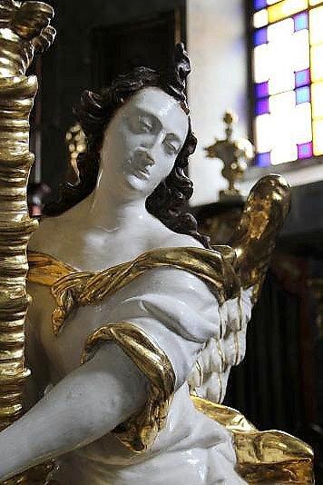 Vzácnému baroknímu oltáři vkostele sv. Jiljí vobci Bezděz na Českolipsku se navrátila jeho podoba z18. století.