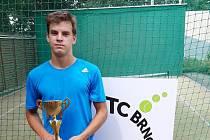 Matyáš Černý je tenisovým odchovancem klubu TK Slovanka Česká Lípa.