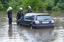 S povodněmi má Sbor dobrovolných hasičů v Žandově bohaté zkušenosti. Proto uvítali, když jim výbavu rozšířil nový motorový člun pro potřeby evakuace za velké vody.