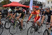 Začátky slavného cyklistického závodu Tour de Bohemia, stejně tak jako všech 28 ročníků, si o víkendu připomněli v Novém Boru.