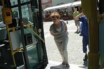 Nový bezbariérový autobus představila společnost ČSAD Semily.