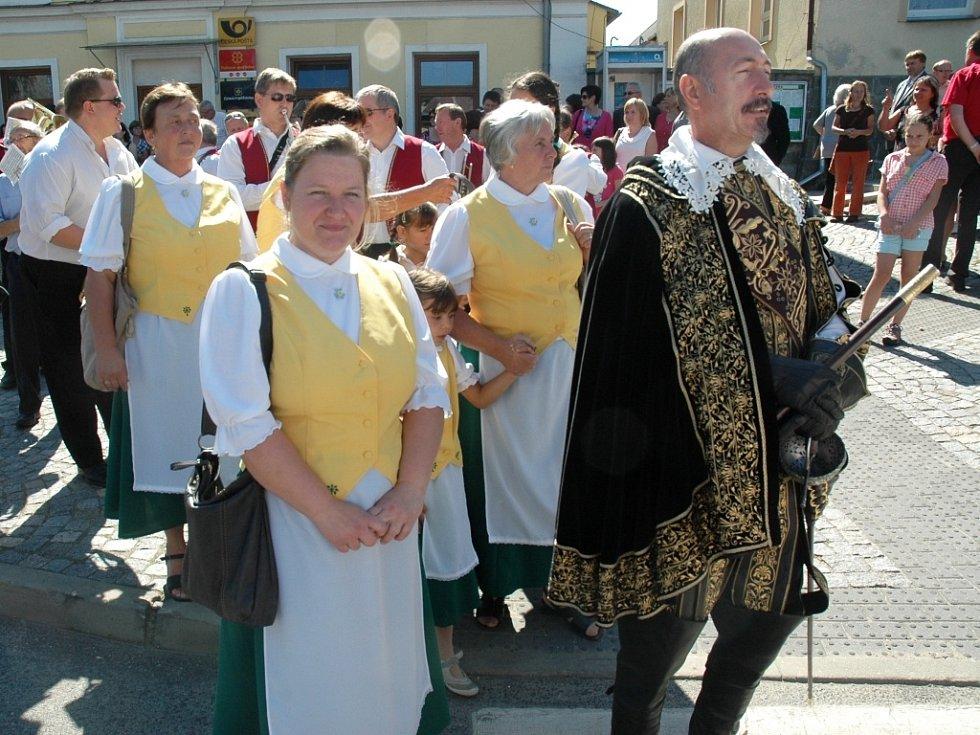 Po Díkuvzdání následoval dožínkový pochod.