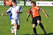 Cenné tři body přivezl dokský nováček krajského přeboru z Jablonce nad Jizerou, kde zvítězil 3:0.