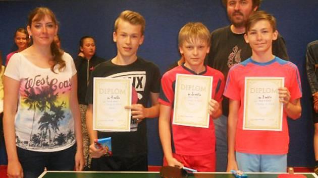Základní škola Partyzánská uspořádala již třetí ročník turnaje o nejlepší žákyni a žáka stolního tenisu.