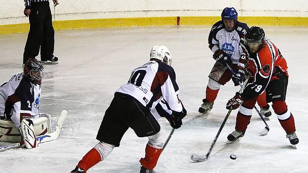 Svůj poslední letošní zápas v základní části Krajské ligy mužů (KLM) Libereckého kraje odehrají českolipští hokejisté v sobotu na svém domácím ledě.
