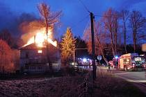 Požár domu ve Veselí.