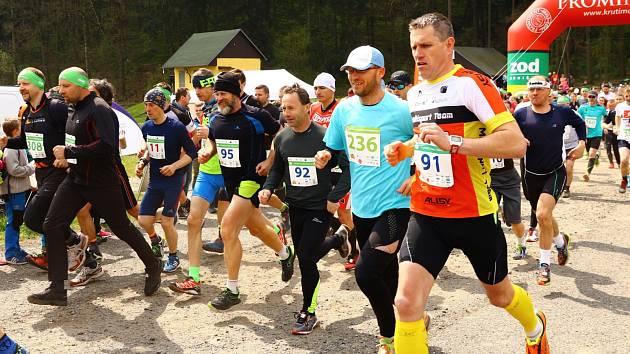 Čtvrtého ročníku Brnišťského půlmaratonu se loni zúčastnilo dohromady 437 závodníků.