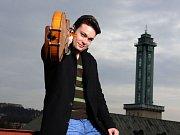 Jiří Vodička je od roku 2015 koncertním mistrem České filharmonie, ale k nejvyhledávanějším českým houslistům patří i jako sólista a komorní hráč.