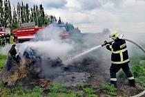 Požár slámy v Dubnici na Českolipsku.