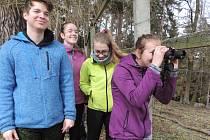Gymnazisté z Mimoně vyrazili na speciální kurz do lesů v Ralsku.