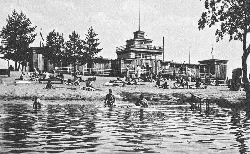Hradčanský rybník okolo roku 1940.