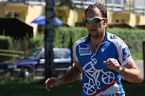 V premiéře Mimoňského triatlonu, který přinesl dramatický průběh, nakonec zvítězil domácí borec Marek Knejzlík (na snímku) a mezi ženami Ivana Loubková, přední česká triatlonistka.