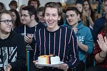 Ocenění za nejlepšího němčináře si ze soutěže Best in Deutsch odnesl studen českolipské Euroškoly Daniel Luka Henninger.
