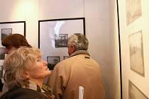 Historické fotografie si mohou návštěvníci českolipského muzea prohlédnout v Maštálkově síni.