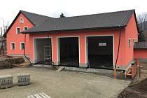 V loňském roce se rozběhla dlouho očekávaná stavba požární zbrojnice v Kravařích a letos je v plánu ji dokončit.