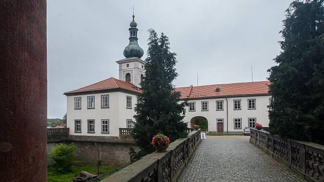 Státní zámek Zákupy na Českolipsku. Snímek je ze 14. září.