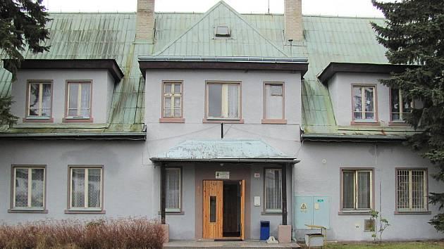 Jedna z budov zařízení v Jestřebí.