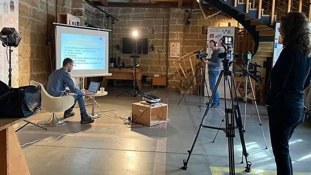 Natáčení cestovatelské přednášky po USA.