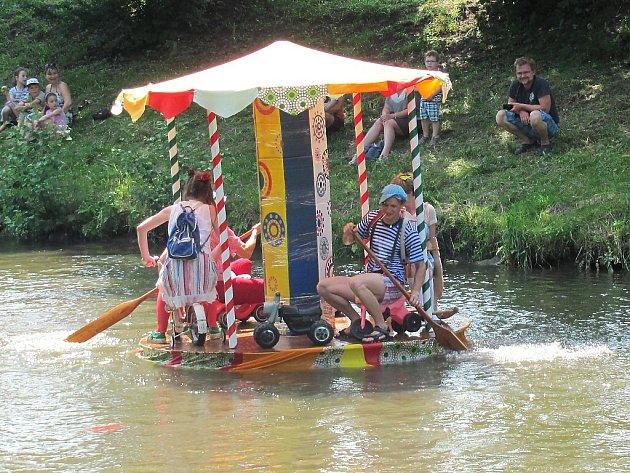 Sobotní dopoledne patřilo tradiční neckyádě.