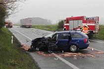 Těžkým zraněním skončila pondělní dopravní nehoda na silnici I/38 v blízkosti Obory u Doks.