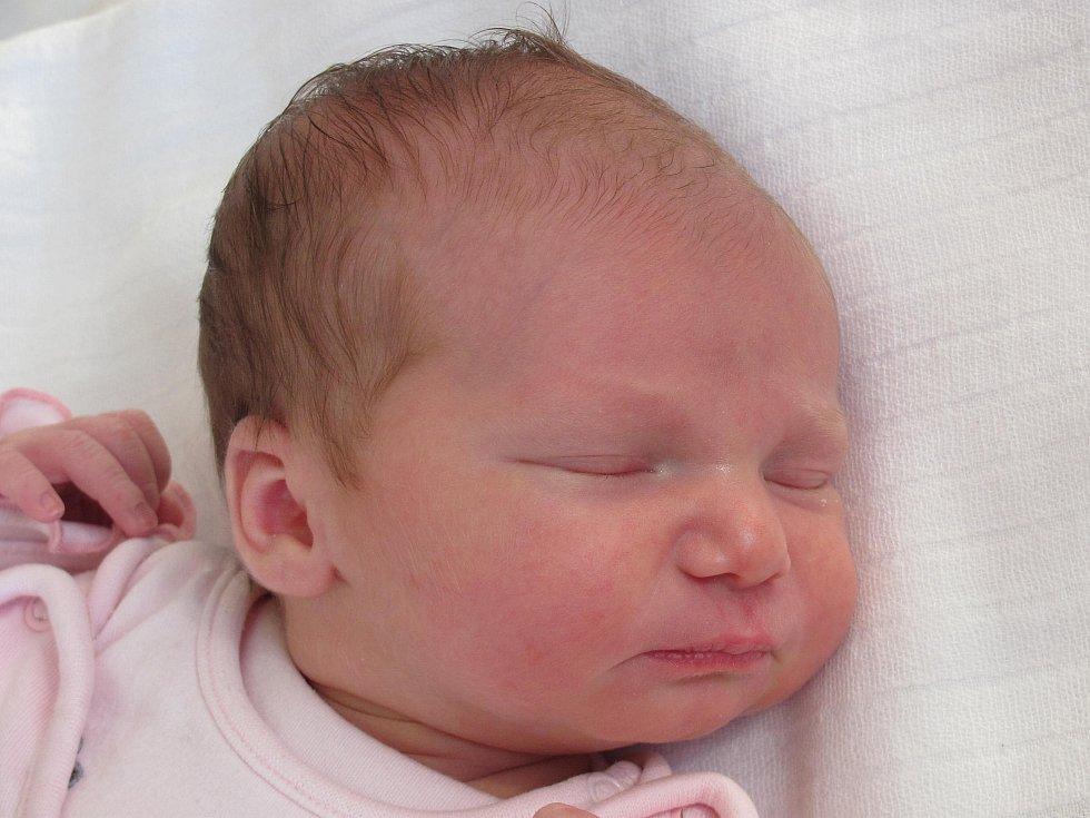12.Mamince Petře Lebduškové z České Lípy se 12. září v 6:13 hod. narodila dcera Kristýna Lebdušková. Měřila 50 cm a vážila 3,28 kg.