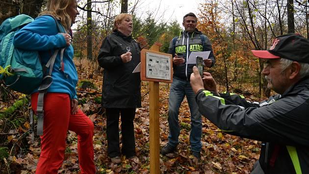 Na snímku účastníci česko-německého projektu Zapomenutá místa.