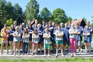 Členové Sport Relaxu na soustředění v Chřibské.