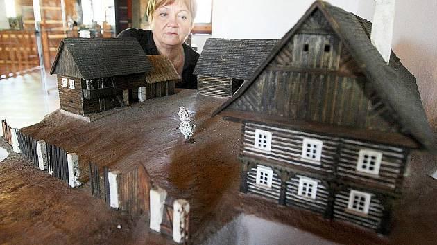 Mezi nejznámější podstávkové domy v kraji patří Vísecká rychta v Kravařích.