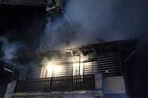 Noční požár v Novém Luhově.