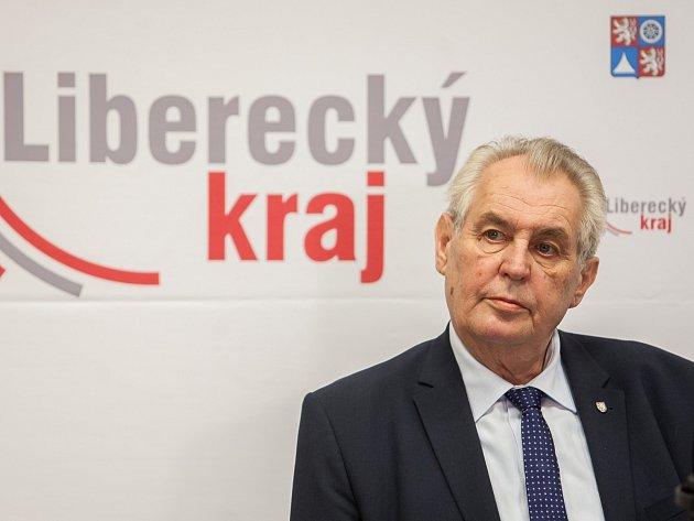 Prezident Miloš Zeman zakončil svou již čtvrtou návštěvu Libereckého kraje na tiskové konferenci v hotelu Berg ve Starých Splavech.