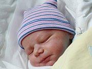 Mamince Kateřině Dlouhé z Prahy  se v pondělí 26. června v 1:17 hodin narodil syn Adam Dlouhý. Měřil 49 cm a vážil 3,43 kg.