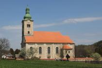 Kostel Narození Panny Marie vDubnici.
