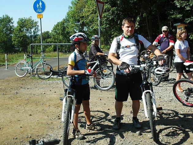 Slavnostní otevření posledního úseku cyklostezky Varhany proběhlo v pátek v Novém Oldřichově. Součástí byla i cyklojízda.