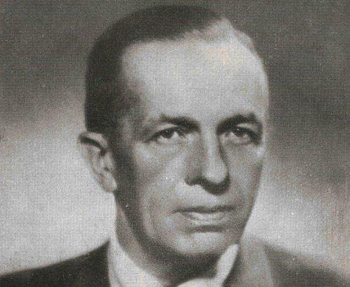 Profesor Julius Komárek patřil mezi průkopníky myslivosti. Vroce 1950se stal spoluzakladatelem mysliveckého sdružení Obrok na dnešním Českolipsku.