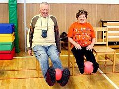 Cviky, které doporučují odborníci na boj s roztroušenou sklerózou, jsou pomalé a zvládne je téměř každý.
