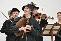 V úterý 19. června od 19.00 hodin vystoupí v českolipském městském parku známý hudební ansámbl Ritornello Michaela Pospíšila.