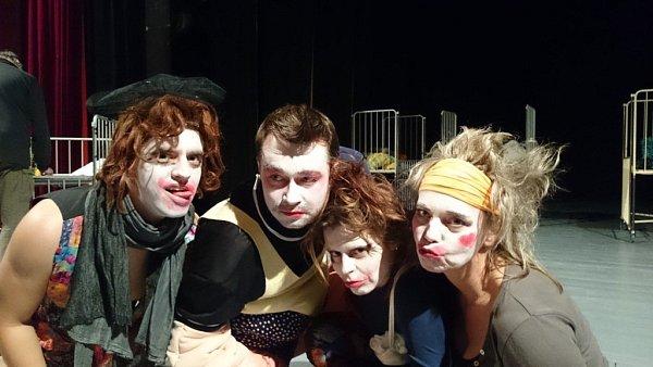 Nové představení připravují českolipští ochotníci už zhruba tři čtvrtě roku.