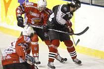 Debakl domácích hokejistů zažil ve středu večer zimní stadion u Ploučnice. Českolipští totiž odešli z ledu poraženi výsledkem nula ku osmi...