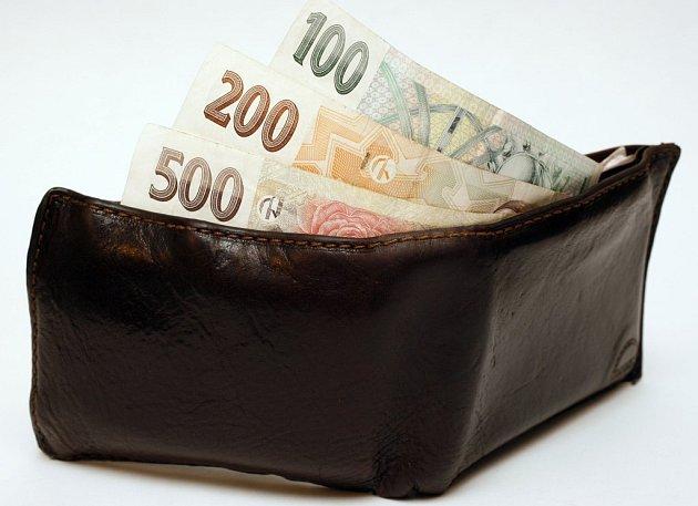 Bankovky a mince by brzy měla nahradit elektronická peněženka.