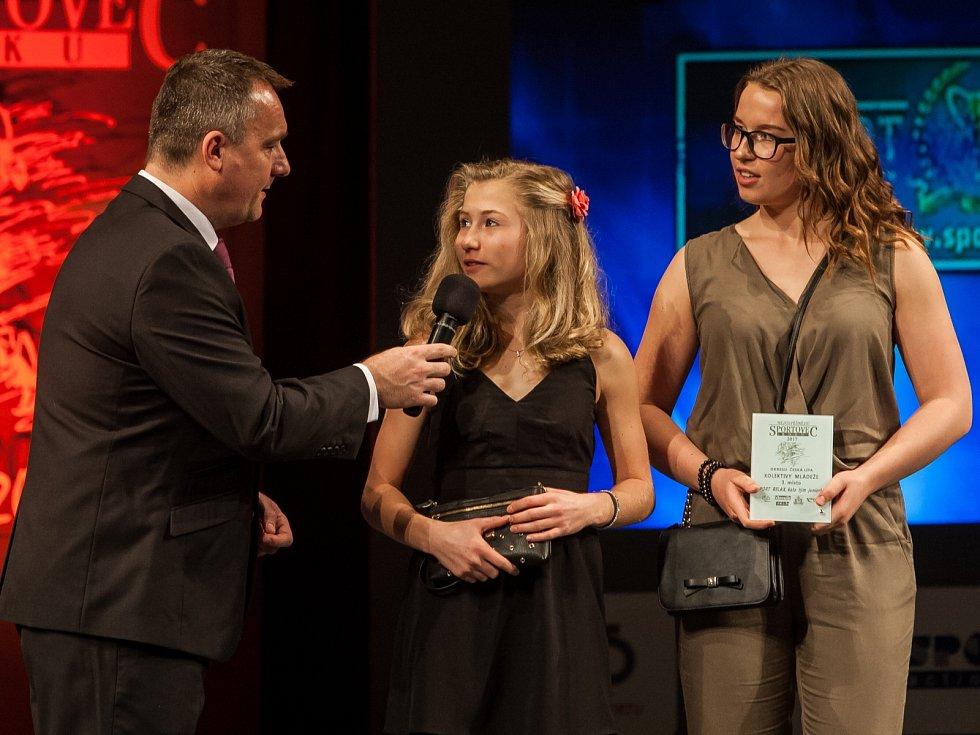 3. místo kategorie kolektiv mládeže: kata tým juniorky Sport Relax Barbora Znamenáčková, Adéla Šinerová (na snímku) a Nikola Jůzová.