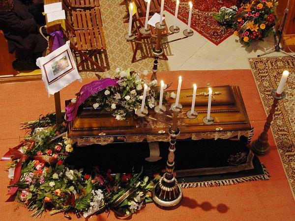 Zcela zaplněný kostel Navštívení Panny Marie vHorní Polici se vsobotu 1.února 2014loučil se zdejším arciděkanem Mons. Josefem Stejskalem.