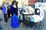 V Mimoni si dali sraz majitelé historických a retro kočárků
