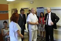 Ministr zdravotnictví Miloslav Ludvík na příjmu českolipské Nemocnice s Poliklinikou.
